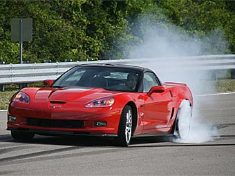 Chevrolet Corvette ZR1 на четыре секунды улучшил свой рекорд Нюрбургринга