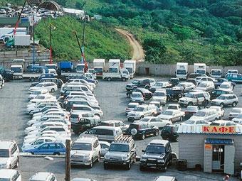 Налоговики начали проверять законность ввоза машин через Калининград