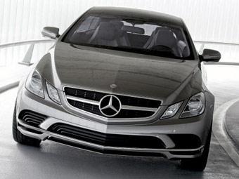 Mercedes показал лицо E-Class нового поколения