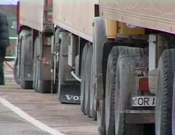 Петербург закрыли для больших грузовиков