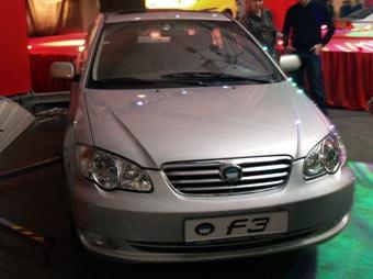 Поставки китайского седана BYD F3 в Россию начнутся весной