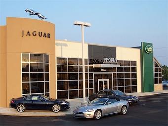 Концерн Jaguar Land Rover уволит 400 человек
