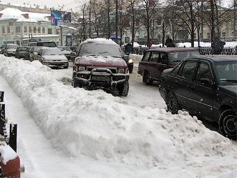 ГИБДД Москвы призвала водителей быть внимательнее в предновогоднюю неделю