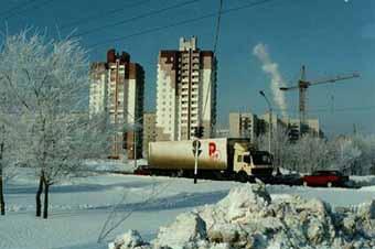 Участник оренбургского Чемпионата по зимним гонкам врезался в зрителей