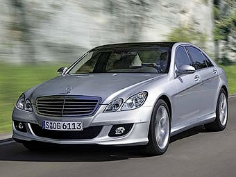 """Mercedes-Benz представил """"умную"""" систему безопасности"""