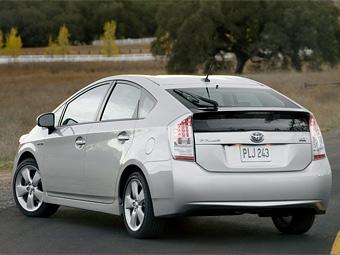 Toyota Prius стала самым продаваемым авто в Японии четвертый месяц подряд