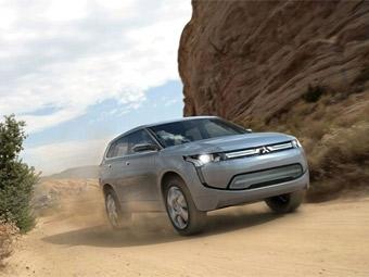 """Следующее поколение Mitsubishi Outlander может стать """"гибридом"""""""