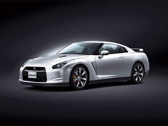Компания Nissan сделала суперкар GT-R более комфортным