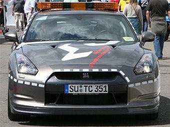 Cуперкар Nissan GT-R превратили в пожарную машину