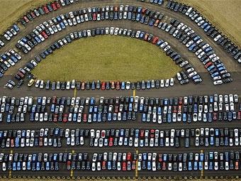 Продажи автомобилей в России выросли впервые за три месяца