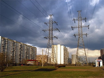 В Москве построят дорогу над линиями электропередач