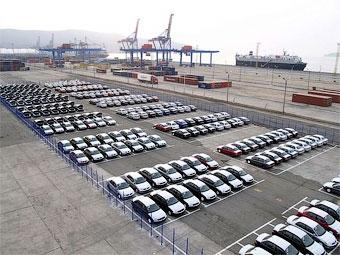 Поступления в бюджет от импорта автомобилей сократились в пять раз