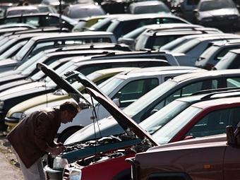 Импорт автомобилей в Россию растет третий месяц подряд