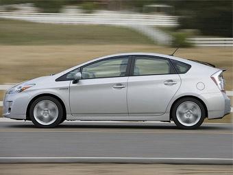 Toyota разработает дешевый гибрид