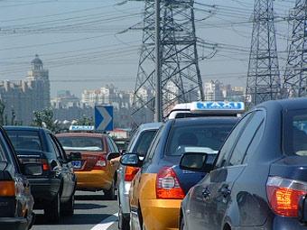 Продажи автомобилей в Китае установили новый рекорд роста
