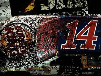Тони Стюарт выиграл ночную гонку NASCAR Sprint Cup в Дайтоне