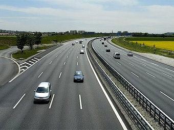 Медведев подписал закон о создании дорожной госкомпании