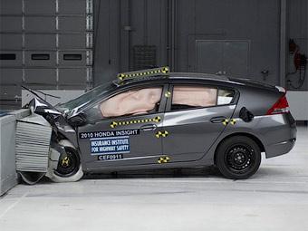 Американцы проверили на безопасность гибриды Honda Insight и Toyota Prius