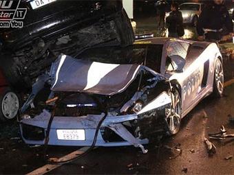 Итальянские инспекторы разбили полицейский Lamborghini