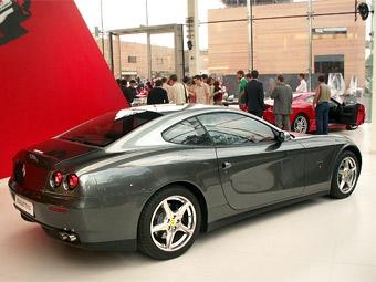 В России началась распродажа Ferrari и Bentley