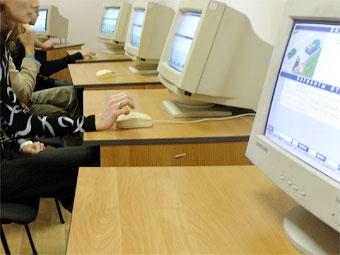 Украинская ГАИ будет контролировать экзамены в режиме онлайн