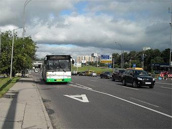 Эксперимент со спецполосами для автобусов в Москве признали удачным