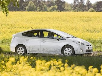 Названы российские цены на гибрид Toyota Prius