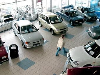 """""""АвтоВАЗ"""" вдвое сократил запасы нераспроданных машин"""