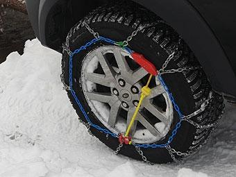 Московские коммунальщики будут колоть лед на дорогах цепями