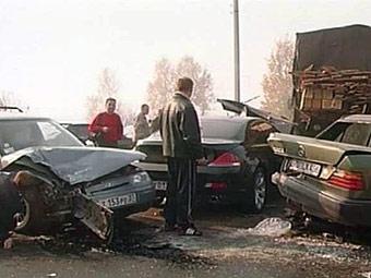 На Киевском шоссе столкнулись 13 автомобилей