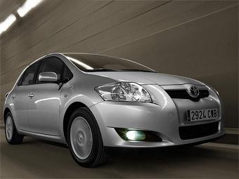 Toyota готовит гибридную версию хэтчбека Auris