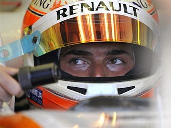 Команда Renault обвинила семью Пике в шантаже