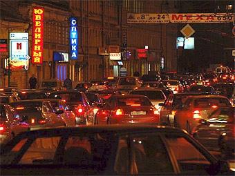 Дождь усугубил традиционные пятничные пробки в Москве