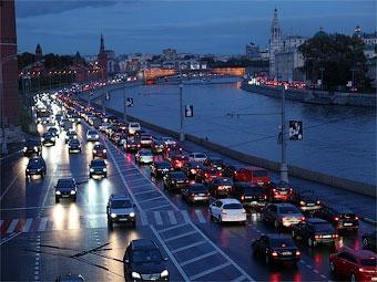 Дождь парализовал движение в Москве