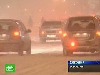 """Снегопад парализовал движение на федеральной трассе """"Волга"""""""