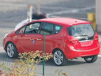 Новый Opel Meriva сфотографировали без камуфляжа