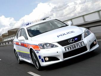 """Британские полицейские пересели с Subaru на """"заряженный"""" Lexus IS"""