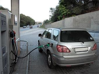 За месяц бензин в России подорожал на рубль