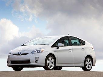 Компания Toyota получила 80 тысяч заказов на новый Prius