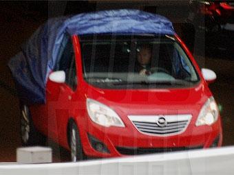 Шпионы продолжают раскрывать внешность нового Opel Meriva