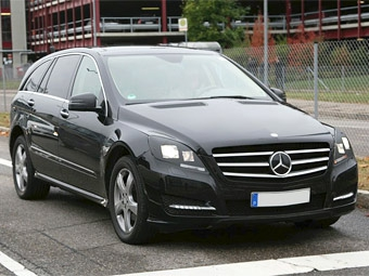 Mercedes-Benz R-Class обновится в следующем году