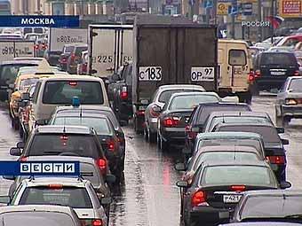 Москва попросила триллион рублей на борьбу с пробками
