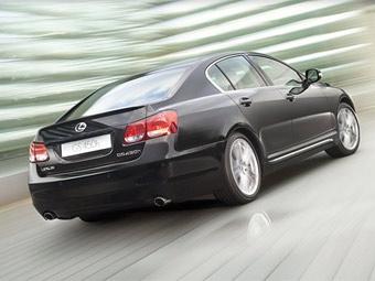 В России начались продажи полноприводного седана Lexus GS