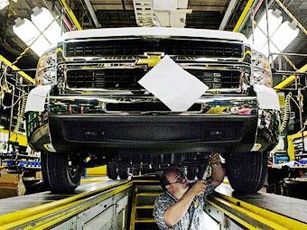 В 2010 году GM закроет в США 13 заводов