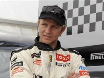 Петтер Сольберг протестирует Peugeot 307 в Польше