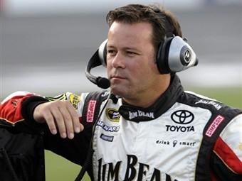Гонщика NASCAR наказали за нарушение регламента