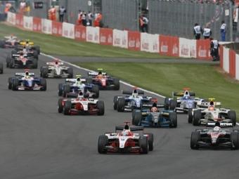 Пастор Мальдонадо выиграл вторую гонку GP2 Series в сезоне