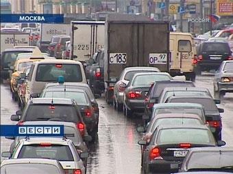 Фонарный столб перекрыл Ленинградское шоссе