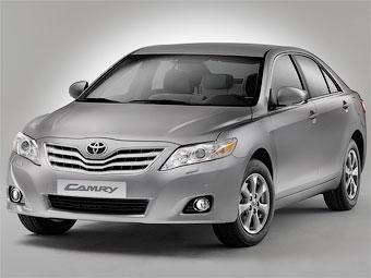 Обновленная Toyota Camry подешевеет в России на 143 тысячи рублей