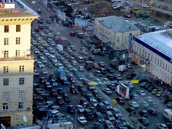 В Москве дороги проложат по крышам домов